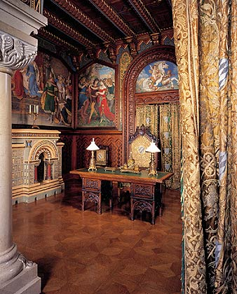 Bayerische Schl Sserverwaltung Neuschwanstein Tour Of The Castle Study
