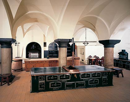 Kitchen on Schl  Sserverwaltung   Neuschwanstein   Tour Of The Castle   Kitchen
